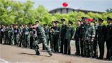 4月24日,中国人民武装警察部队学院迎来了第十五届体育运动会,此次活动为期3天,来自学院各部系1700余名运动员参加54项赛事的角逐。