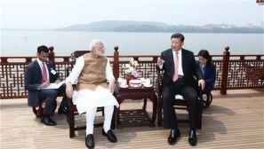 习近平同莫迪在武汉举行非正式会晤的高清大图来了