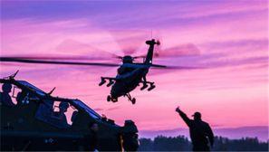 新疆军区某陆航旅跨昼夜展开实装实弹演练