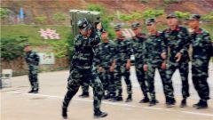 一组表情包带你感受兵哥的军事体育运动会