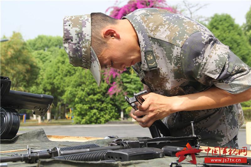 5、更换枪械指定部件。
