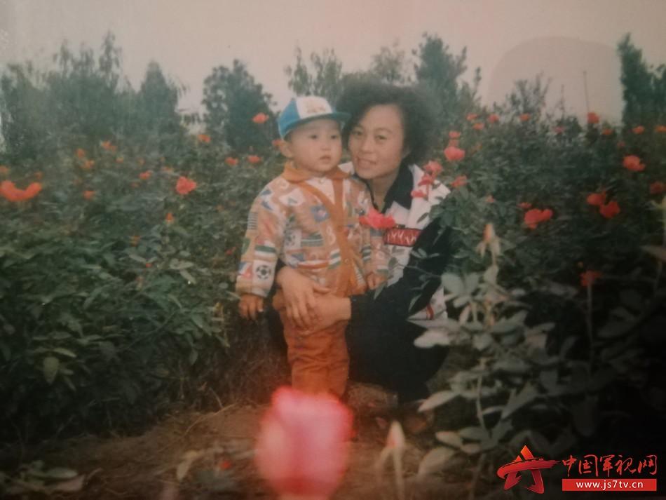 图7:@测控系统助理工程师刘程浩:待到山花烂漫时,她和我在丛中笑!妈妈您放心,儿子在这,一切都好!