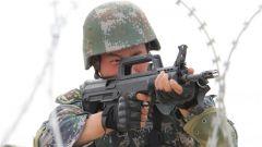 野外驻训增强实战能力 大漠戈壁锤炼战斗意志