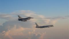 專家分析:轟6戰機首度夜航繞臺 增強全天候作戰能力