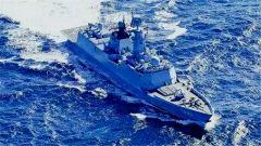 4艘巨舰罕见同框 中国海军稳步走向深蓝