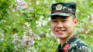 军人迷倒你的微笑有哪些?
