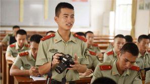 """探访""""兵记者""""特训营 点赞这群可爱的兵"""