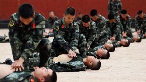 武警陕西总队执勤支队开展战伤救护技术练兵
