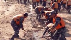 第71集团军某旅:千余名官兵防汛救灾演练
