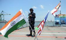 """""""马拉巴尔""""军演在美国印太战略背景下举行"""