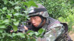 武警广西总队:特战队员演练水上反劫持