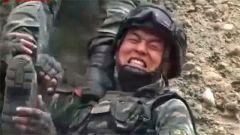 攀爬不成功,特战小分队在考核中险遭淘汰