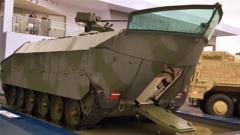 """论兵·德国新战车够""""奇葩"""" 向前是车向后是船?"""
