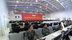 《军事报道》20180622海空一体多兵种实兵对抗