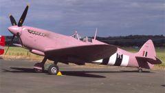 英国喷火战斗机竟有粉色涂装的?