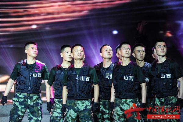 12活灵活现得演绎出基层官兵生活