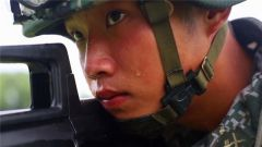 高温湿热 反恐队员挑战极限训练