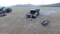 海拔4300米 多课目组合训练提升官兵抗缺氧能力