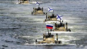俄罗斯海军日:符拉迪沃斯托克举行海上阅兵式