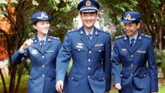 中央军委批准为文职人员配发制式服装
