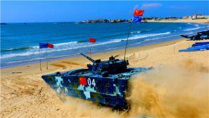 """国际军事比赛:直击""""海上登陆""""赛精彩瞬间"""