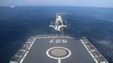 直升机在洛阳舰上降落。周鹏飞 摄