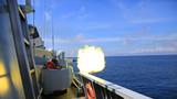 梅州舰副炮消灭浮雷。张伟峰 摄