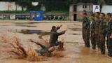 在军营里有铁骨铮铮的汉子。