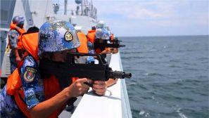 威武!驻港部队组织最大规模陆海空联合反恐演练