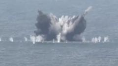 南海海域  歼击轰炸机海上实弹射击