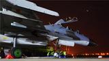 开飞信号弹射向长空,航空兵驾驶战机出动……