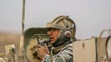 车长向分队指挥员汇报战斗结果。