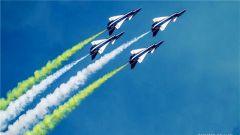 中国空军八一飞行表演队惊艳俄罗斯