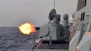 中国海军第30批护航编队组织实弹射击训练