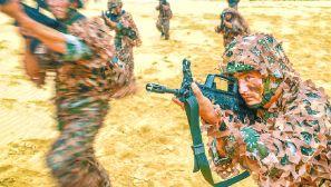 大漠鏖兵:陆军第79集团军某合成旅实战化演练掠影