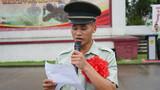 退伍老兵代表发言。