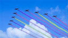 空军航空开放日  来看飞行表演队蓝天劲舞