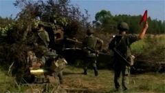 """俄军在""""飞地""""加里宁格勒举行军演"""