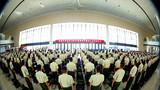 铁打的营盘流水的兵,流金的岁月难舍的情。9月1日下午,新疆乌鲁木齐市高铁站候车厅迎来了一大批即将退伍的老兵,武警兵团总队在这里举行2018年度夏秋季退役士兵欢送会。