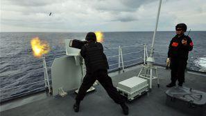 海军特战队员如何在摇摆中完成精准射击