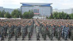 黑龙江:千名应征入伍新兵宣誓立志报国