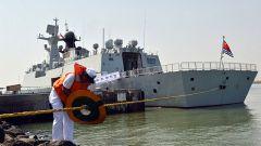 海军第三十批护航编队开始首轮靠港补给休整