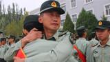 分区某部营长黄大瑞在宣布命令现场流下了眼泪。