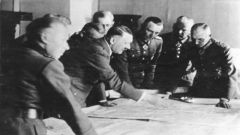 【回望二战】希特勒遇刺侥幸逃生 隆美尔被逼自杀