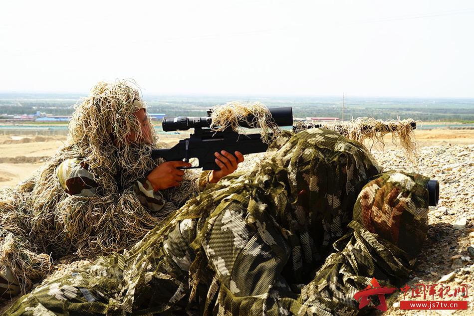 图17、伪装狙击。