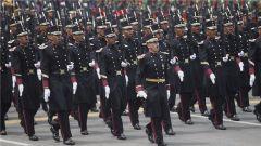 墨西哥举行阅兵式庆祝独立208周年