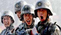 致敬老兵:风雨中彰显军人本色
