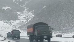 西藏江达:多支应急力量全力投入抢险救援