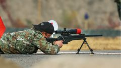 """遮蔽瞄准镜 看""""锋刃""""狙击手们如何射击"""