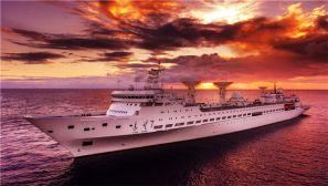 美!上帝视角看深海碧波上的远望7号船
